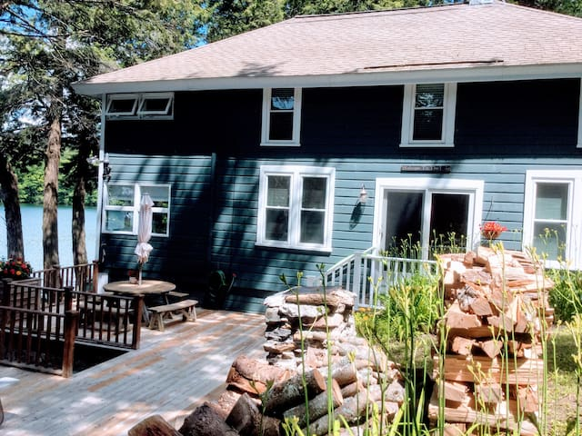 Lovely lakefront home Upstate NY/Berkshires