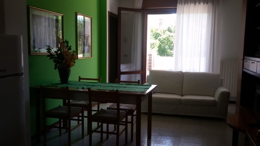 Intero Appartamento vicino centro WIFI gratis
