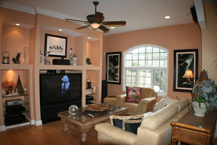 Luxury Carriage House in Rehoboth Beach