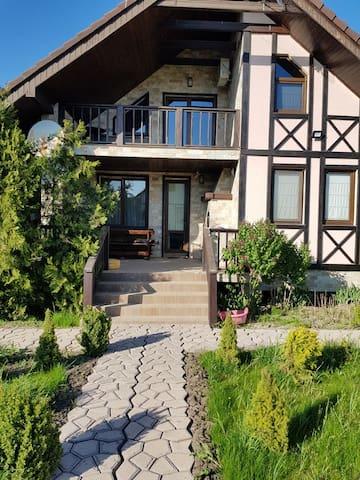 Уютные дома у моря в Одесской области