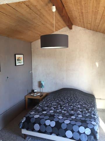 Chambre ext lit double