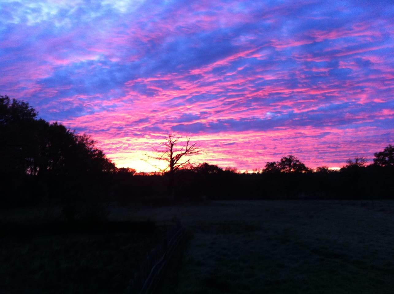 BEAUTIFUL SUNSET FROM DES RES GITE.
