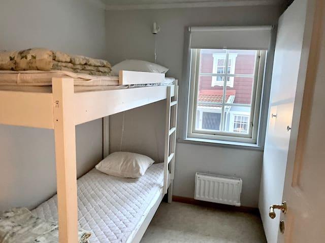 Sovrum 2 - en våningssäng