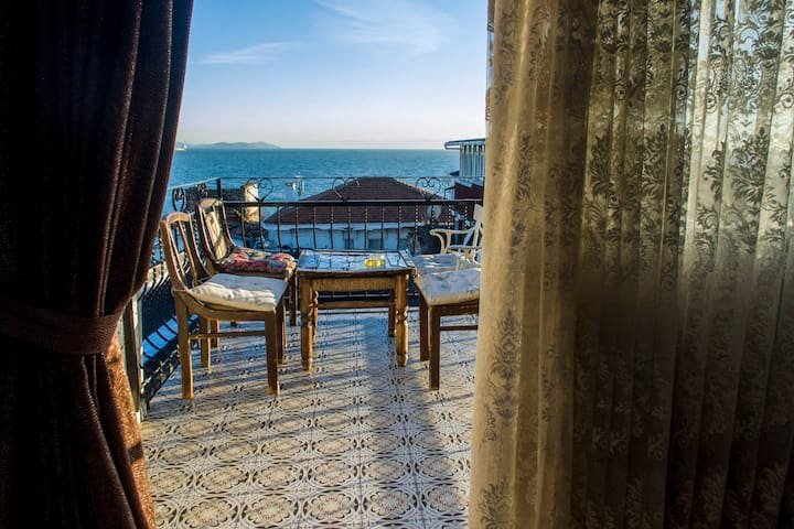 Seafront, Airy, Historic, Cntl Lctn Exclusive Unit