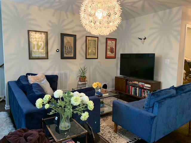 Studio! Private Bedroom/LivingRoom/Bathroom