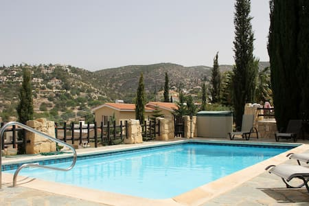 Seaview villa - Private pool - Paphos