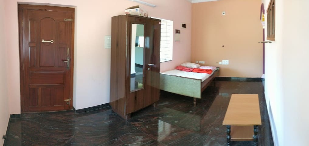 (AC) 2 BHK (Book for 6 days, 1 day free) @ 9000