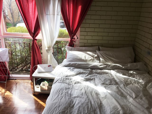 Comfy, Cosy, Quiet studio in Lyons!! - Lyons - Apartment