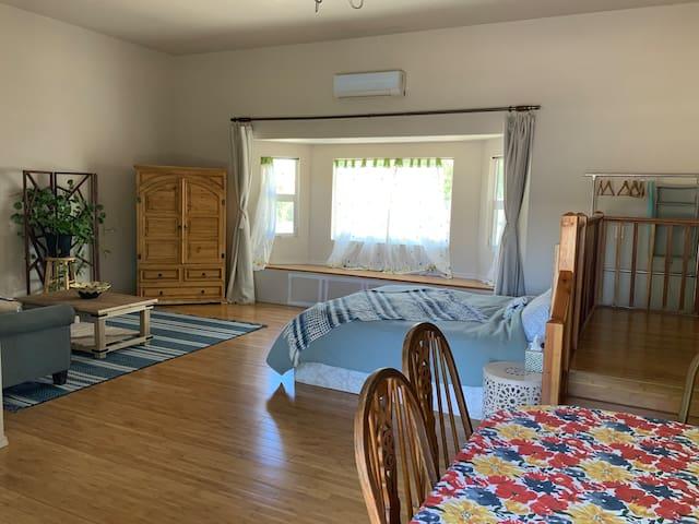 Casa de Paz- Spacious guest suite on organic farm