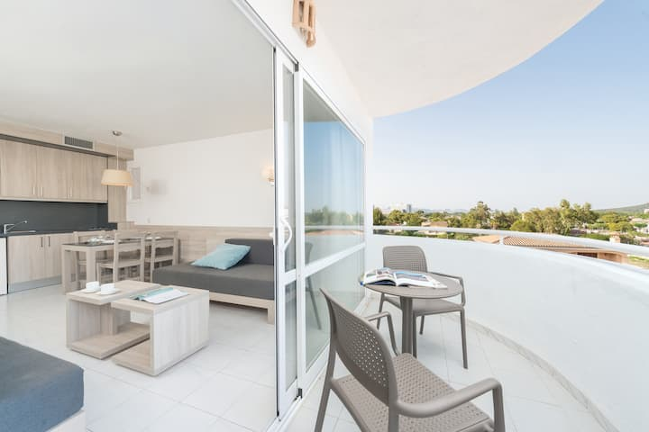 APTO. LAGOON CENTER - Apartment with shared pool and capacity for 2 adults + 2 children (up to 12 years) in Puerto de Alcúdia Free WiFi