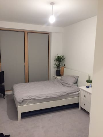 Double bedroom in Turnpike Lane