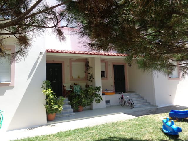 3 bedrooms HOUSE NEAR THE SEA  ''BILLIAS''