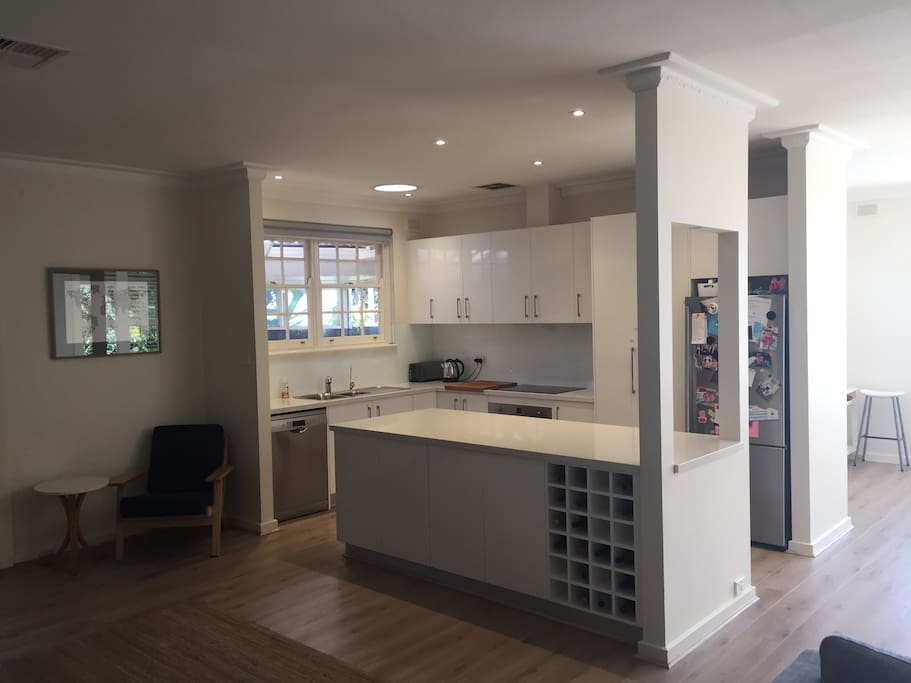 Fully equipped kitchen including Nespresso coffee machine & induction stove