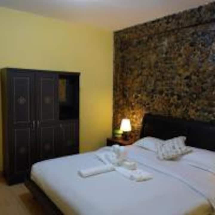 California hotel_Deluxe Double Room
