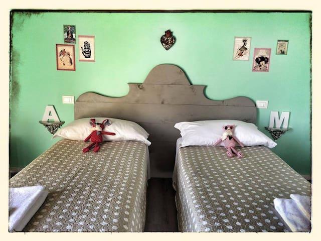 "Room ""Alda Merini"" - Fontanelle - Penzion (B&B)"