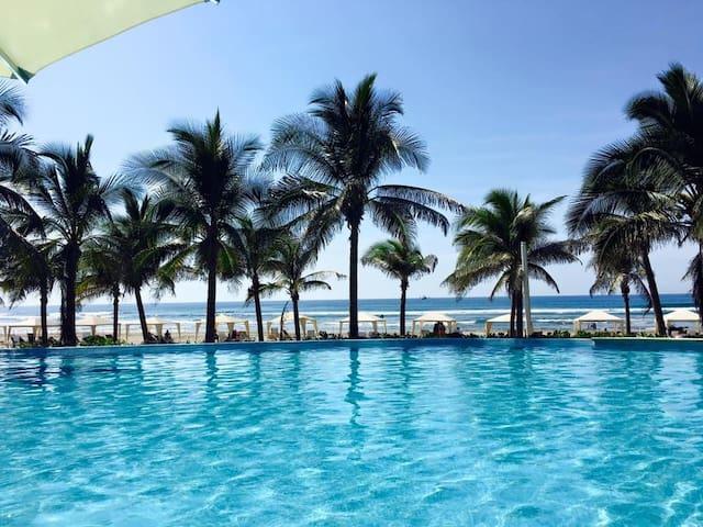 Luxurious condo in La Isla Residences - 2bed/2bath