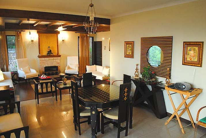 Homely stay with serene view McLeodganj- Deluxe 2 - Dharamshala - Villa