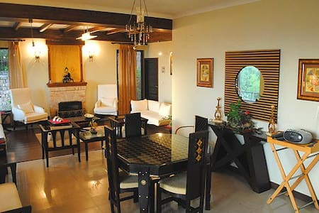 Homely stay with serene view McLeodganj- Deluxe 2 - Dharamshala