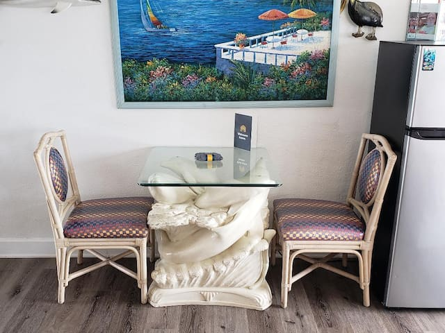 dolphin table dinette