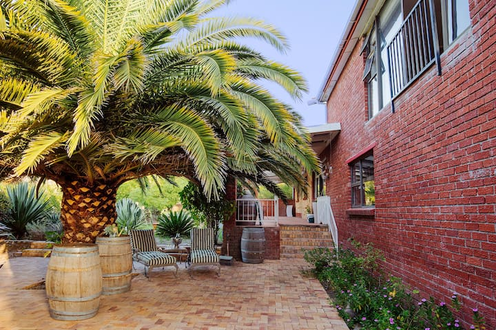 Spacious family home in Beautiful Cape Winelands