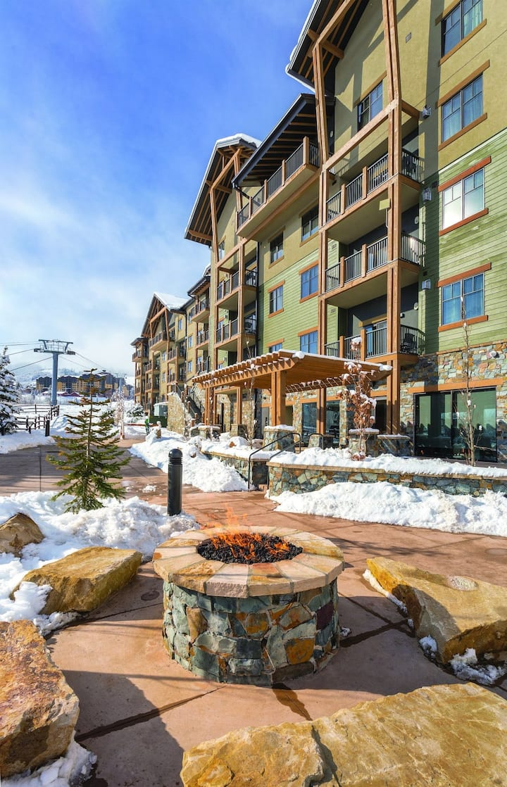 Deluxe Two Bedroom Condo, Park City Utah (Z5)