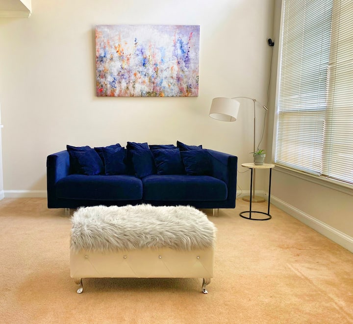 Stylish & Modern Loft in Heart of South Park CLT