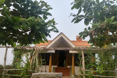 FarmHouse in 13 Acre Organic Farm - Rettanai