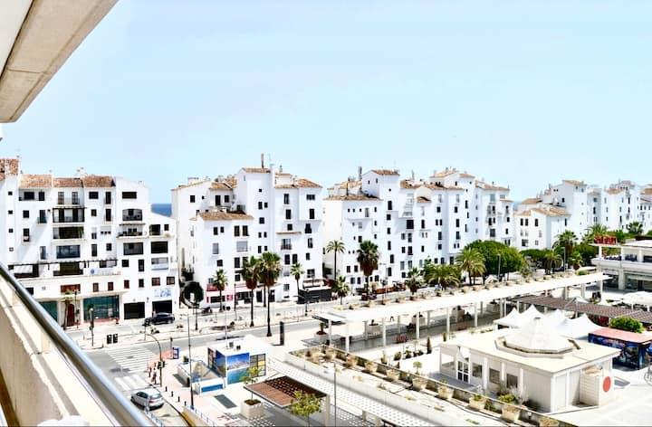 Puerto Banus Center.Marbella.Wifi.Pool.