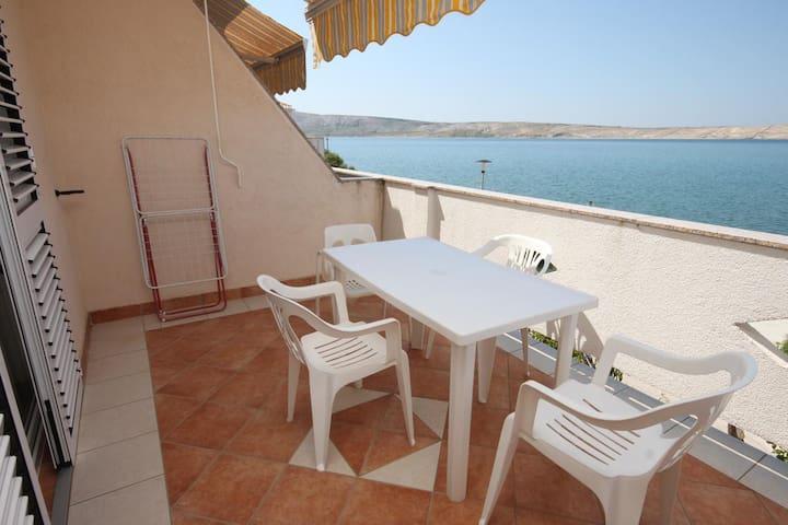 Appartamento di una stanza vicino alla spiaggia Kustici (Pago - Pag) (A-6354-c)