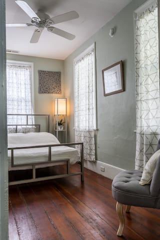 Notso Hostel Carissa Room