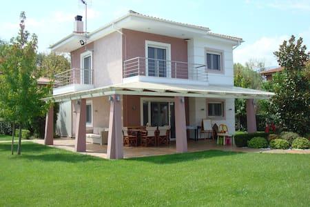 Olympus Riviera Modern Luxury Villa - Πλάκα