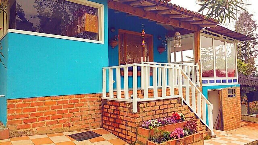 Se renta casa en Tabio cerca a la peña de juaica