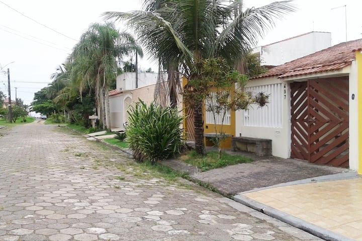 Casa de praia Itanhaém  Jd. Suarão S/P
