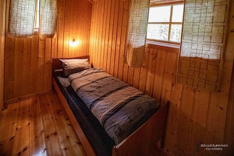 cozy single room at Skålestrømmen Fly Fishing