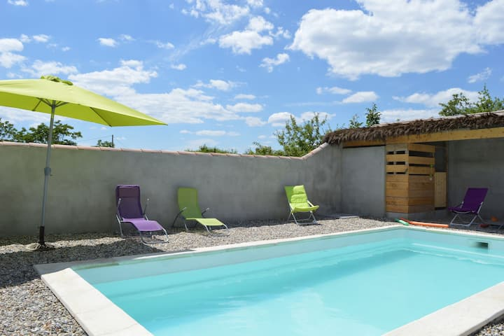 Chic Holiday Home in Pradons with Swimming Pool