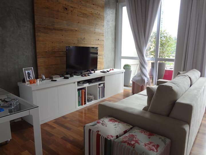 Lindo loft duplex na área Berrini