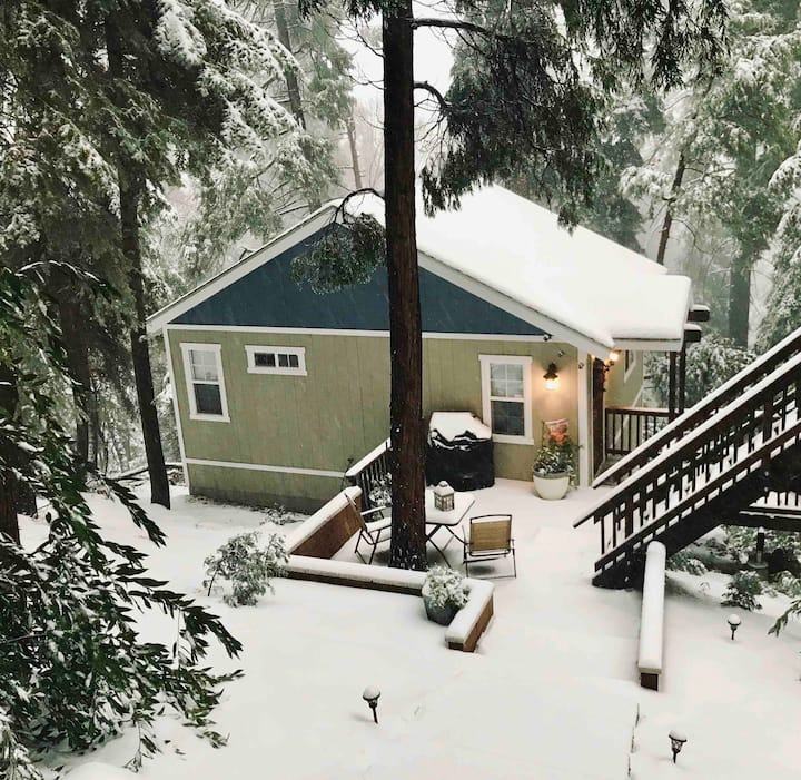 Beautiful guest house in Crestline.