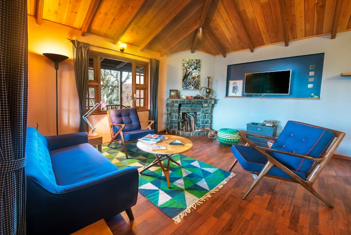 Family Suite - 2 Bedroom + Living/Dining/Fireplace