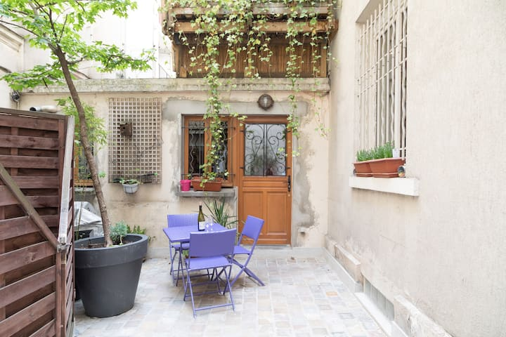 Enjoy Paris' buzziest quarter in a real house