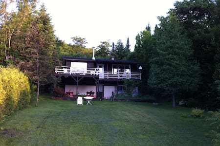 Lake Front Cottage, Lac du Coeur. - Saint-Adolphe-d'Howard - Cabin - 1