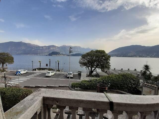 Surprising vintage atmospheres front Lake Como