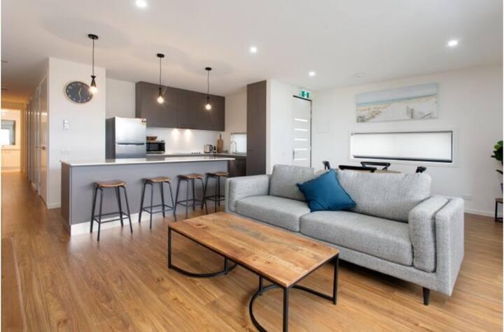 ♥️Captains Cove Luxury Apartments.♥️ Ground floor