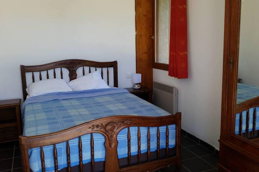 Bedroom/Chambre 1