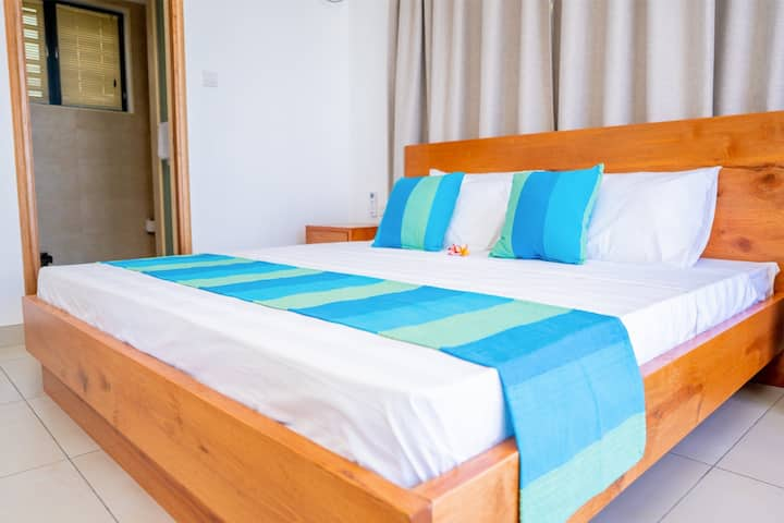 1 BED ROOM SELF CATERING HOLIDAY APARTMENT VK4