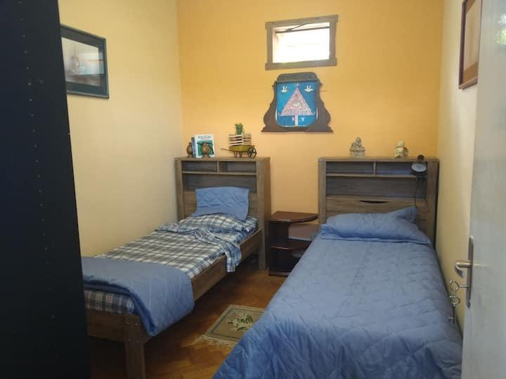 Belo quarto em Espaço Jardins (3)