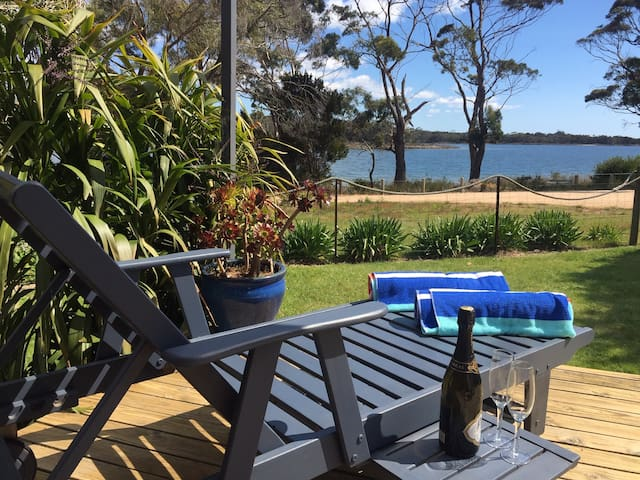 Beautiful waterfront retreat - Bay of Fires