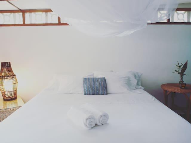 Casa Marimba B&B - Granada King-size Bedroom. - Masaya - Bed & Breakfast