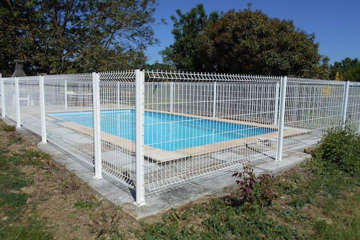 Pen villa Med svømmebasseng & Wifi