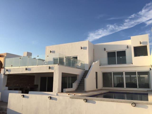 Casa en playa recien remodelada en Kino Nuevo Son