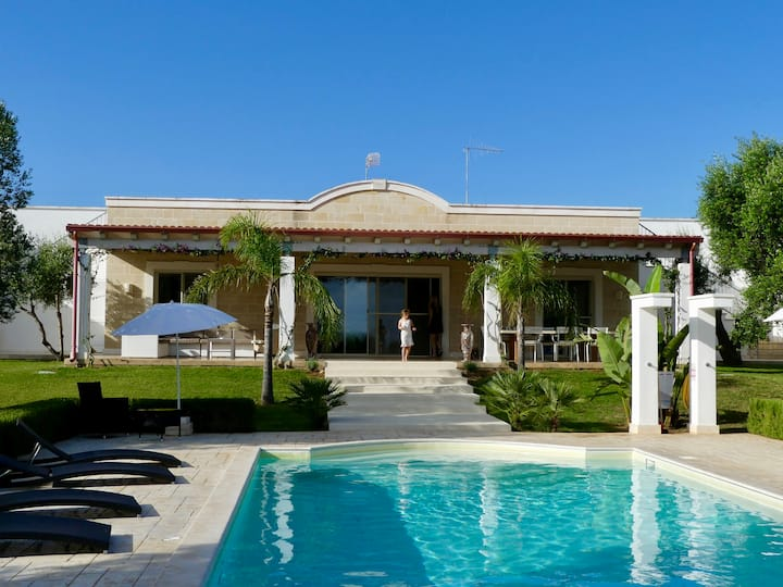 Villa M - Charming and Beautiful, Sea View